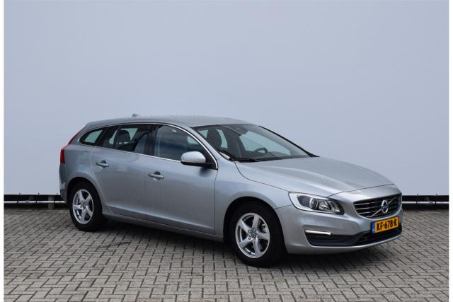 Volvo V60 D3 (150 pk) NORDIC+ - Navigatie - Bluetooth - Xenon - Stoelverwarming - Adaptief TFT Display - Volvo On Call - Standkachel - Parkeersensoren - 16