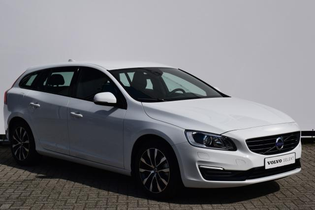 Volvo V60 T3 (150pk) POLAR+ DYNAMIC - Volvo On Call - Xenon - Sportleder met stoelverwarming voor - 17