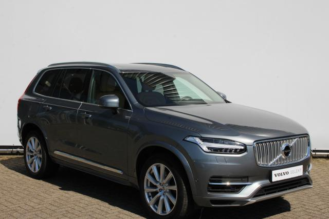 Volvo XC90 T8 Twin Engine AWD Inscription - 7% bijtelling! - Luchtvering - Nappa leder - Keyless - LED - Elektr. trekhaak - Adaptieve cruise controle met Pilot Assist - Panoramisch schuif-/kanteldak - City Safety