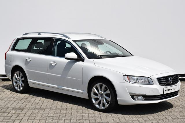 Volvo V70 D3 (150pk) Summum - AUTOMAAT - Volvo On Call - Adaptive Cruise Control - Navigatie (Lifetime Mapcare) - 18'' Magni LMV - Driver Alert - El. Verst. Bestuurdersstoel - Xenon - Leder - Parkeersensoren - Keyless