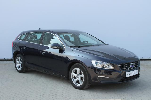 Volvo V60 D4 MOMENTUM BUSINESS - Business Pack Connect (o.a. Navigatie) - Cruise Control - Climate Control - Parkeersensoren achter - 16'' LMV