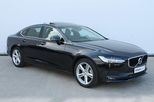 Volvo S90 D4 MOMENTUM - Automaat - Schuifdak - 360 Camera - Standkachel - Volvo On Call - Keyless - Head Up Display - Intellisafe Surround - Verw. Voorstoelen - Parkeersensoren v/a - 18'' LMV