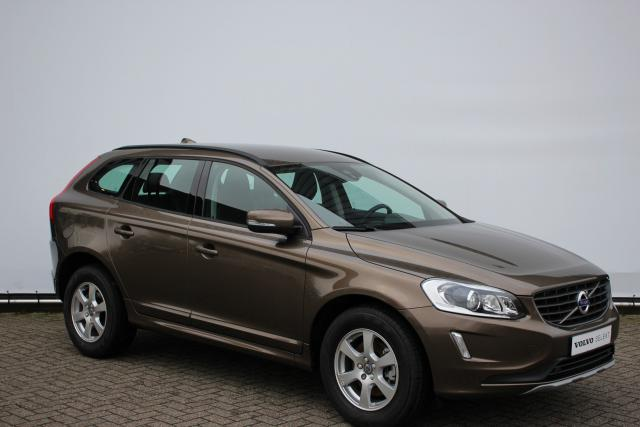 Volvo XC60 D3 150pk BUSINESS - AUTOMAAT - Xenon - 17