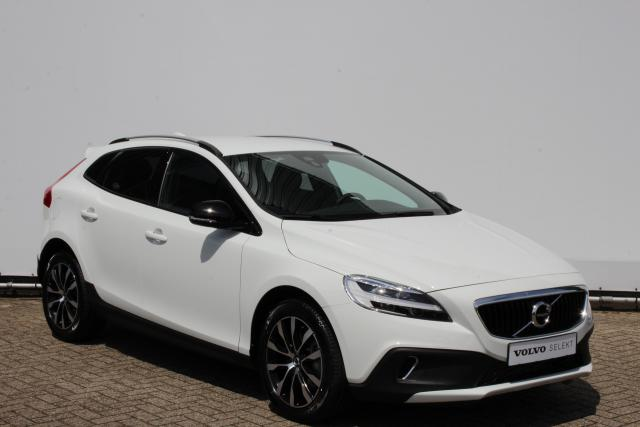Volvo V40 Cross Country T3 150pk DYNAMIC EDITION - AUTOMAAT - Volvo On Call - Navigatie - 17