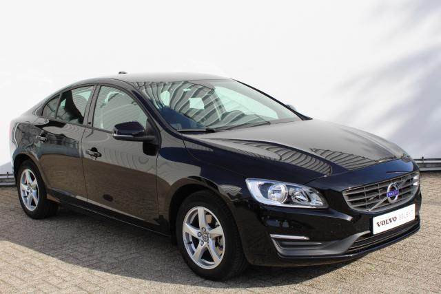 Volvo S60 T3 POLAR - Sensus navigatie - Lifetime MapCare - Adaptief TFT Display - Bluetooth - City Safety - Climate Control - Cruise Control - High Performance Audio - Parkeersensoren achter