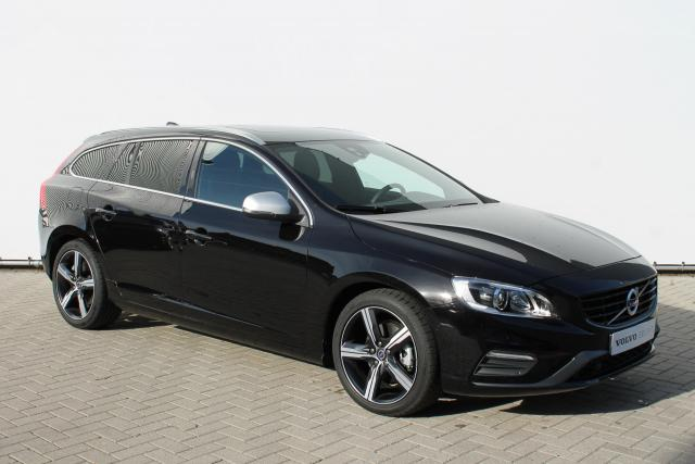Volvo V60 T4 BUSINESS SPORT R-DESIGN - Automaat - Schuifdak - Standkachel - Xenon - Volvo On Call - Keyless - Achteruitrijcamera - Park Assist Pilot - Verw. Voorstoelen - Volvo Guard Alarm - High Performance Audio - 18'' LMV