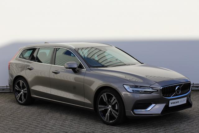 Volvo V60 D4 Inscription - Automaat - Panoramadak - Adaptive Cruise Control - 19