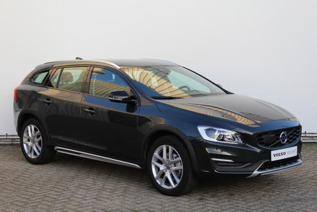 Volvo V60 Cross Country D4 POLAR+ - Automaat - Volvo on Call - Dual Xenon koplampen - Parkeerverwarming - Sensus navigatie (Lifetime MapCare) - Verwarmbare voorstoelen/voorruit