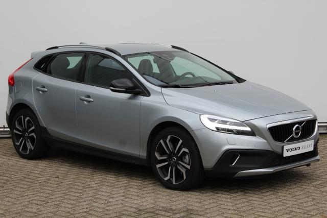 Volvo V40 Cross Country T3 Nordic+ - LED-koplampen - Volvo on Call - Parkeerverwarming - Verwarmbare voorruit - Verwarmbare voorstoelen - Sensus navi (Lifetime MapCare) - 18