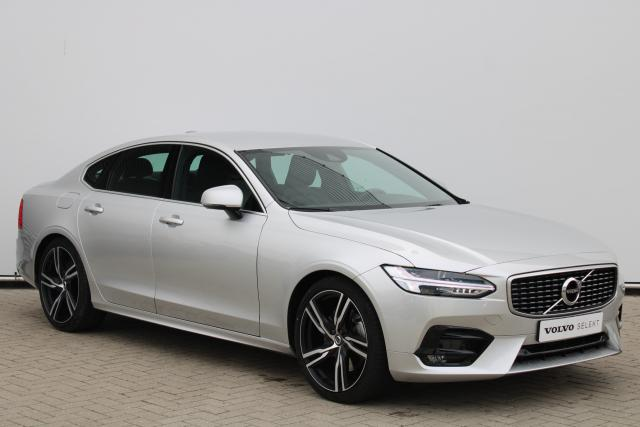 Volvo S90 T4 R-Design - Automaat - Standkachel - Harman Kardon - DAB - Achteruitrijcamera - Intellisafe Assist - Intellisafe Surround - Verw. Stoelen v/a - Verw. Stuur - Smartphone Integratie - Keyless - Trekhaak elektrisch wegklapbaar - 20'' LMV