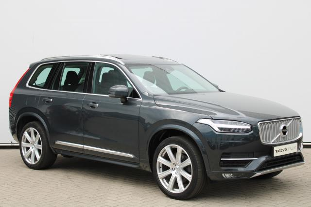 Volvo XC90 D5 AWD Inscription - Schuifdak - Standkachel - Intellisafe Assist - Intellisafe Surround - Volvo On Call - Verw. Stoelen v/a - Verw. Voorruit - Verw. Stuur - Parkeersensoren v/a - Smartphone integratie - Trekhaak semi elektrisch - 21'' LMV