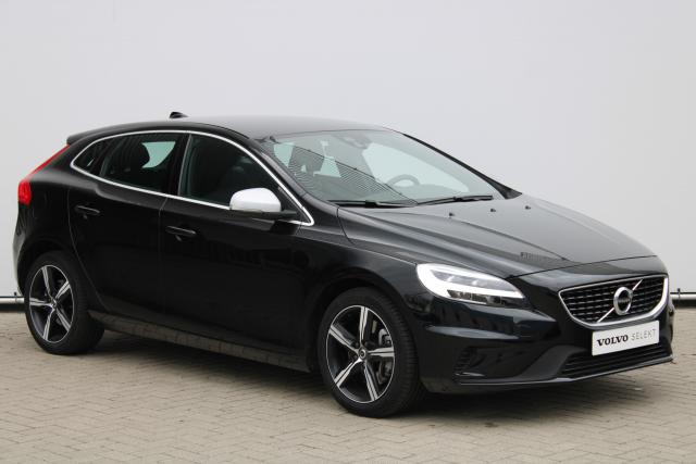 Volvo V40 D3 Business Sport - Standkachel - Volvo On Call - LED - Verw. Voorstoelen - Navigatie - Climate Control - Parkeersensoren achter - High Performance Audio - 17'' LMV