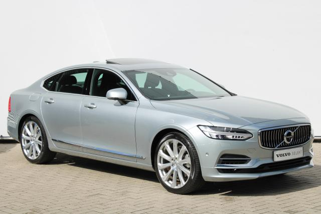 Volvo S90 T8 AWD Inscription - Luchtvering - Standkachel - Bowers & Wilkins - Schuifdak - Head up display - 360 Camera - Keyless - Intellisafe Surround - Intellisafe Assist - Verw. Stoelen v/a - Verw. Stuur - 20'' LMV
