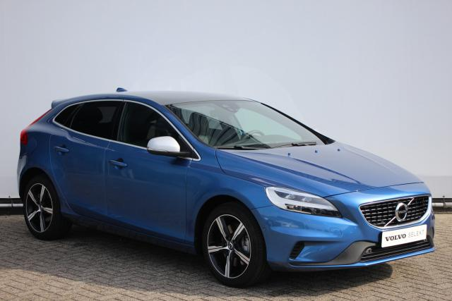Volvo V40 T3 150pk POLAR+ SPORT R-DESIGN - AUTOMAAT - Verwarmbare voorruit - Panoramadak - Volvo On Call - LED - 17
