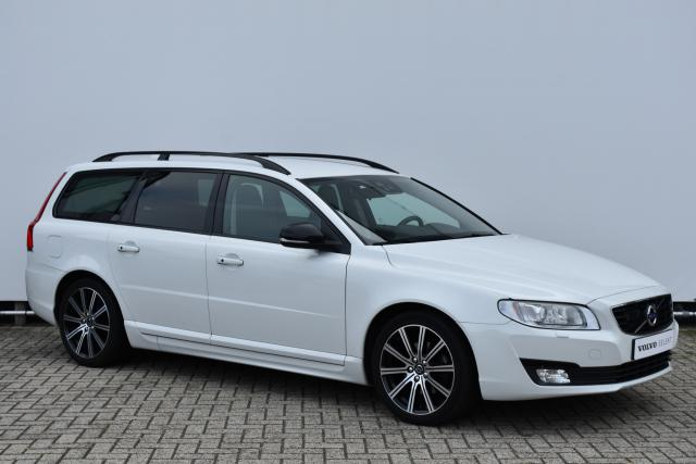 Volvo V70 T4 (190pk) Dynamic Edition Adaptive Cruise Control - Standkachel - Xenon - Keyless - Volvo On Call - Verw. Voorstoelen - Volvo On Call - Parkeersensoren achter - Roof rails - 18'' LMV