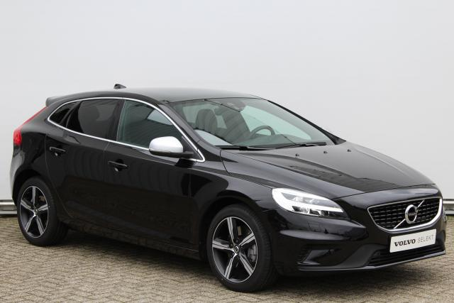 Volvo V40 T3 150pk POLAR+ SPORT R-DESIGN - AUTOMAAT - Verwarmbare voorruit - LED koplampen - Volvo On Call - Navigatie - Panoramadak - Verwarmde Voorstoelen - Parkeersensoren voor & achter - Parkeercamera achter - 17