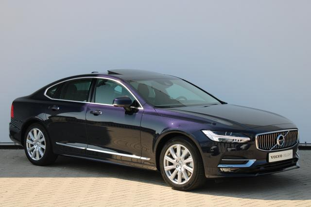 Volvo S90 T4 Business Luxury + - Schuifdak - Standkachel - 360 Camera - Intellisafe Surround - Intellisafe Assist - Head up display - Massage Functie - Verw. Stoelen v/a - Verw. Stuur - Park Assist Pilot - Apple Carplay - Keyless - 18'' LMV