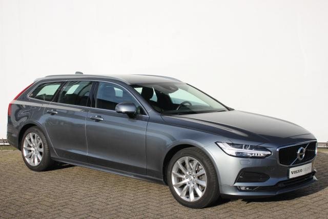 Volvo V90 T4 190pk Momentum - Automaat - Sensus navigatie - Adaptieve cruise control - Parkeerverwarming - Intellisafe Surround - Head-up display - Full Led - Achteruitrijcamera - 4 Zone Climate control - Trekhaak semi-elektrisch inklapbaar - DAB+ - City Safety