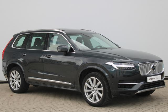 Volvo XC90 T8 Twin Engine AWD Inscription - INCL. BTW - Automaat - Navigatie - Panorama/schuifdak - IntelliSafe Assist - IntelliSafe Surround - 360° Camera - DAB - Head up display - Elektrisch bedienbare voorstoelen - Semi elektrisch inklapbare trekhaak - 20'' LMV