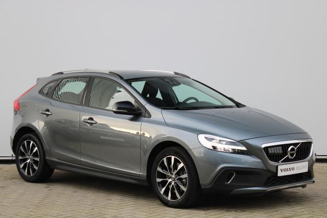 Volvo V40 Cross Country T3 Momentum - Automaat - Navigatie - Adaptieve cruise control - Standkachel - DAB - BLIS - High Performance audio - Keyless entry - Parkeercamera achter - Volvo on Call - Verwarmde achterbank - 17'' LMV