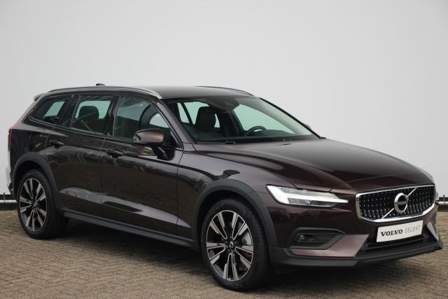 Volvo V60 Cross Country B5 AWD Pro - Adaptive Cruise Control - Pilot Assist - BLIS - Volvo On Call - Standkachel - Leder - Parkeersensoren voor & achter - Parkeercamera achter - Draadloos opladen telefoon