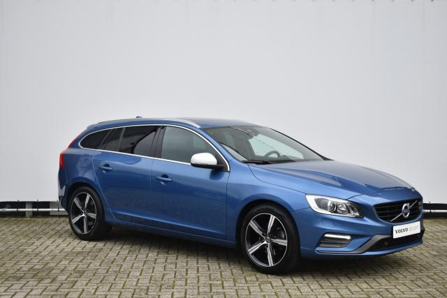 Volvo V60 T4 (190pk) Business Sport - Keyless Entry - Schuifdak - Park Assist - High Performance audio - Xenon - Parkeercamera achter - Privacy Glass - Volvo on Call - 18'' LMV