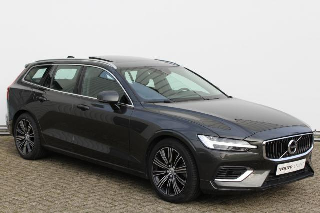Volvo V60 T8 Twin Engine AWD Inscription - Panorama/schuifdak - IntelliSafe Assist - IntelliSafe Surround - DAB - Elektr. bedienb. voorstoelen met geheugen - Keyless entry - Parkeercamera achter - Head up display - Navigatie - Stand