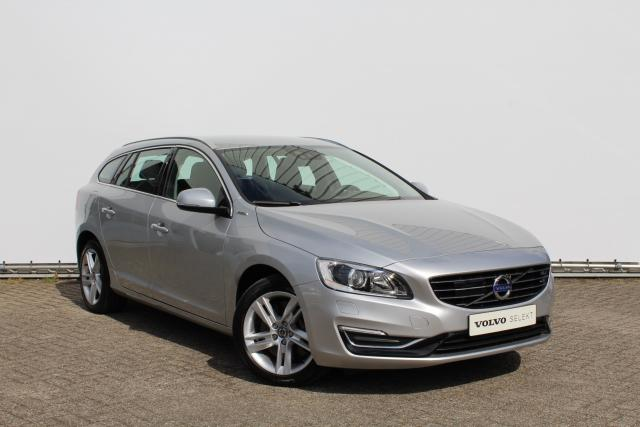Volvo V60 D6 AWD Plug-in Hybrid Summum - incl. BTW - 7% bijtelling - Intellisafe Pro Line - Volvo On Call - 17'' velgen - Navigatie - Parkeerverwarming - Sportleder