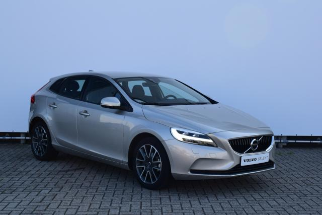 Volvo V40 D2 (120 pk) NORDIC+ - Afn. trekhaak - Standkachel - Full LED koplampen - Stoelverwarming - Navigatie - Bluetooth - 17'' Freja lichtmetalen velgen - Adaptief TFT Display - Volvo On Call - Clean Zone