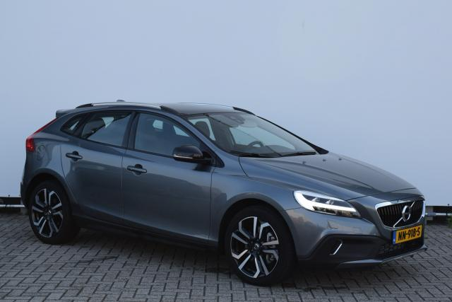 Volvo V40 Cross Country T3 (153 pk) NORDIC+ LUXURY Panoramadak - Park.camera - Leder - 18