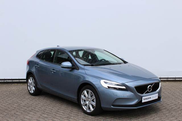 Volvo V40 2.0 T2 Nordic+ - Business pack connect (o.a. navigatie) - Cruise control - Verwarmbare voorstoelen - Full LED koplampen - Verwarmbare voorruit